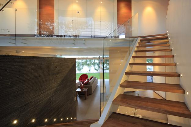 staircase design and interior decorating