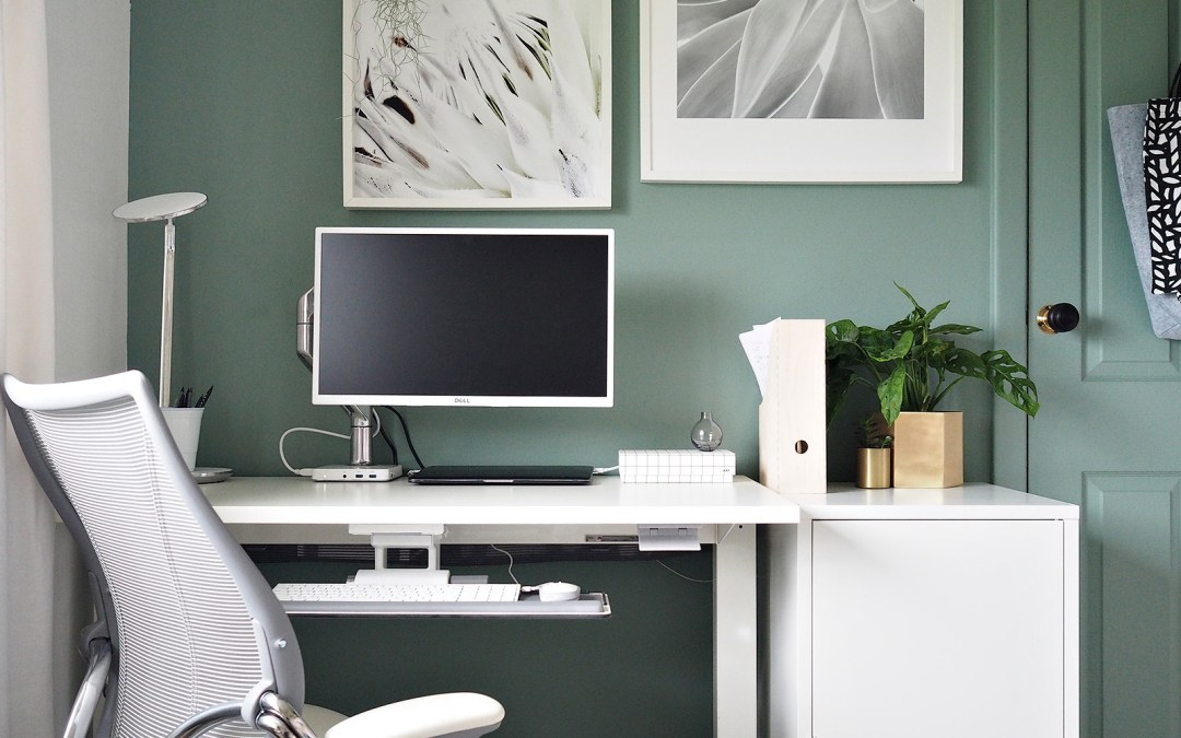 Creating a minimal, ergonomic workspace