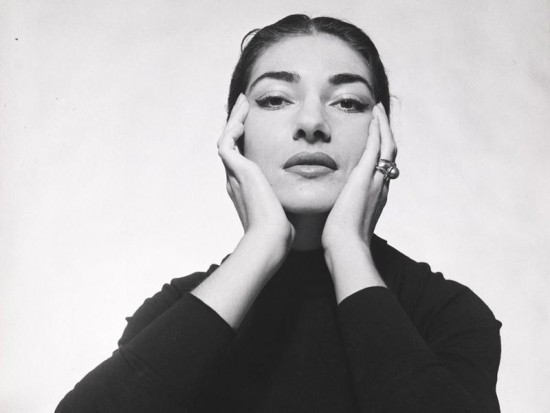 okmaria-callas-with-hands-on-side-of-face-by-cecil-beaton-1957