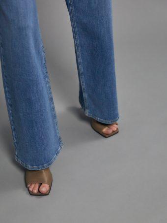 Jeans und Hosen