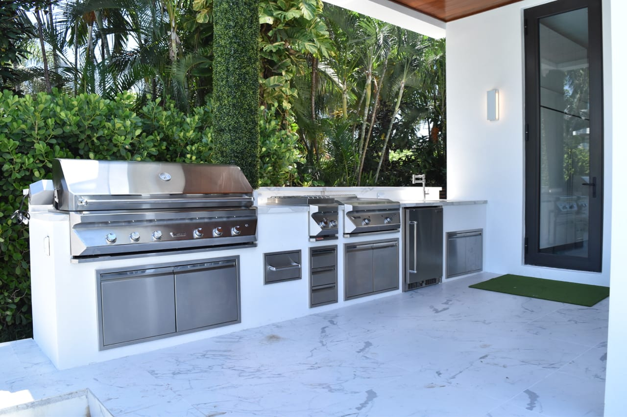 Twin Eagles Outdoor Kitchen - Straight - Luxapatio on Patio Kitchen  id=84431
