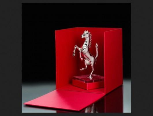 Ferrari-Prancing-Horse-Silver-2