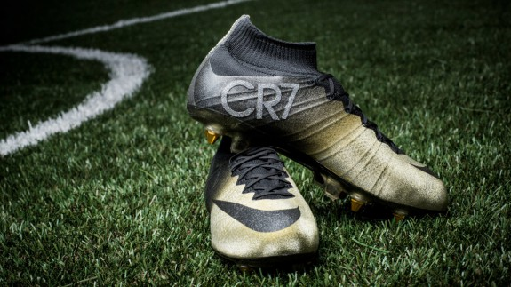 mercurial-cr7-rare-gold-1