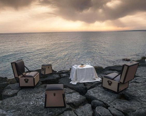 the world's first wandering hotel 700,000 Heures