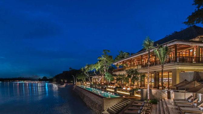 Catching the Perfect Wave with Luxury Surf Resorts Four Seasons Jimbaran Bay Bali 1