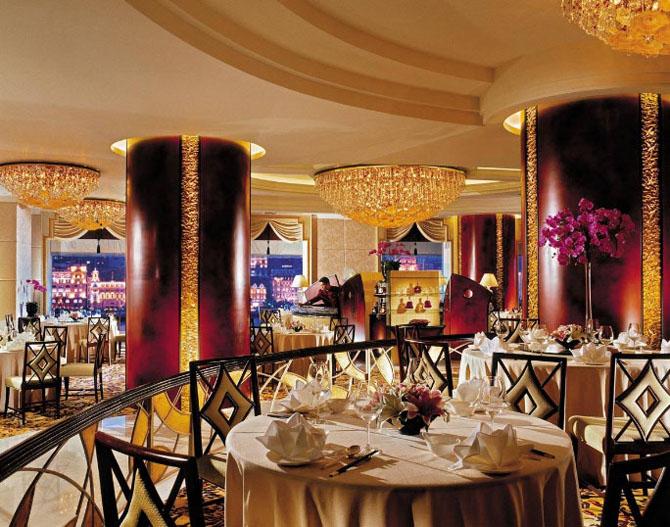 Five Luxury Hotels in Shanghai Pudong Shangri la 3