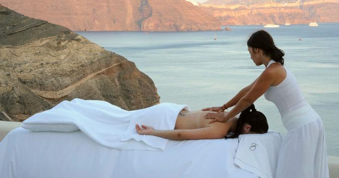 Five of the Best Luxury Resorts in Greece Mystique 5