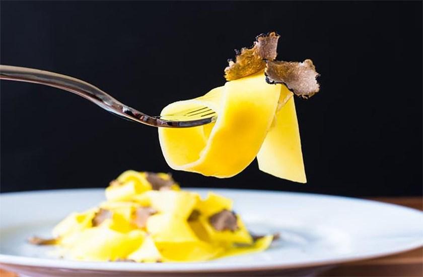 Artusi-Luxury-Restaurant-in-Delhi-7