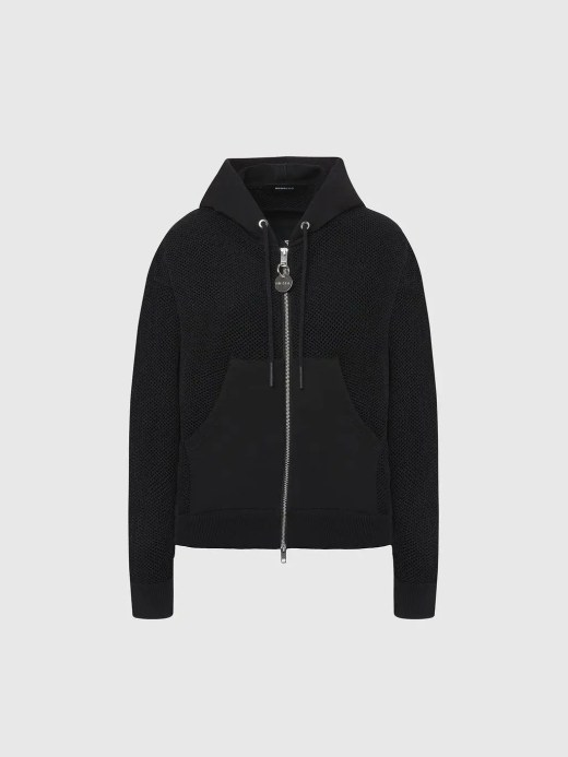 This zipped hoodie is built from net-stitch mesh, with pockets, back panel and hood in soft loopback fleece. The style has a loose, boxy fit that can be adjusted using the internal drawstrings at the hem. 0AAZY-9XX-F