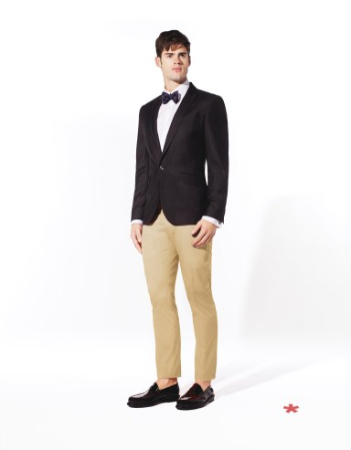CELIO CLUB_NCUSPLASH: veste poly-viscose 99,99¤ VAMAGIC: chemise coton 42,99¤ NCIBOW: noeud papillon soie 14,99¤ NCOCHINO: pantalon coton 49,99¤ NCIPENNY: mocassin cuir 89.99¤