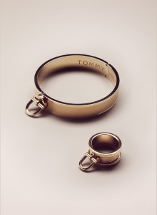 Women's Stirrup Bangle / Gold