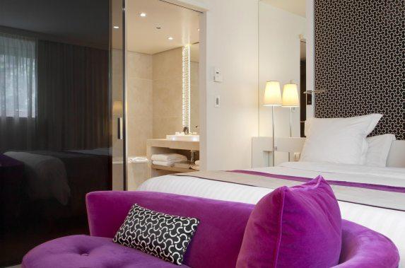 Chambre Deluxe vue salle de bains - La Villa Maillot & Spa PARIS
