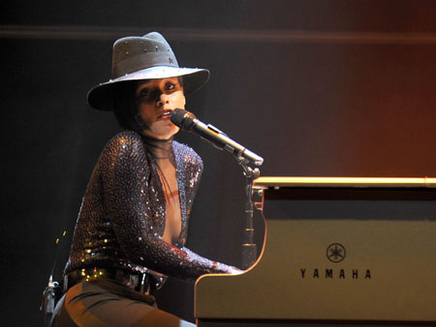 Alicia Keys Girl on Fire Tour