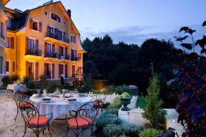 Hotel-Les-Tresoms-Vue-Exterieure_2_1