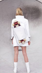 EASTPAK_COURREGES_FR