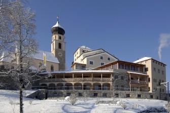 Hotel Turm in winter02