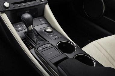 Lexus_RC_F_INT_39