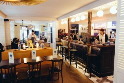 Maison Bleue_sale restaurant (Copier)