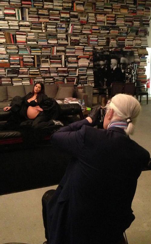 15_Kim_Kardashian_Grills_carine_roitfeld_Miss_USA_gold_grillz_CR_Fashion_Book_Karl_Lagerfeld_Riccardo_Tisci_2013