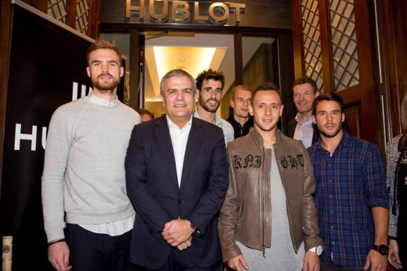 Ricardo Guadalupe and FC Bayern football players