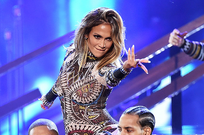 jennifer-lopez-dance-performance-ama-2015-billboard-650