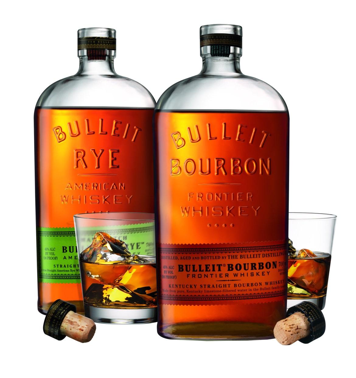 BULLEIT Rye et BULLEIT Bourbon avec verres et bouchons