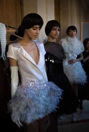 Backstage ON AURA TOUT VU couture photos by emmanuel sarnin (38)