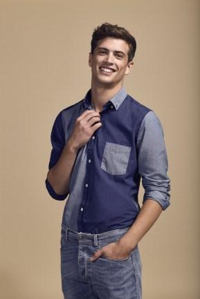 COM 2015 : Look-book Homme Printemps-Eté 2016 - Look 6 - chemise en jean sur jean regular bleu délévé en coton. Eden Park Spring-Summer 2016 Mens look-book - Look 6 - denim shirt on prewashed regular fit cotton jeans.