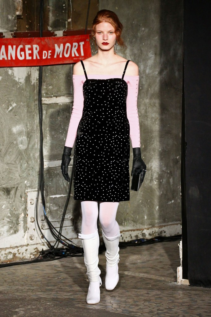 Neith_Nyer_ Ready to wear fall winter 2016 _17; Paris_march 2016_