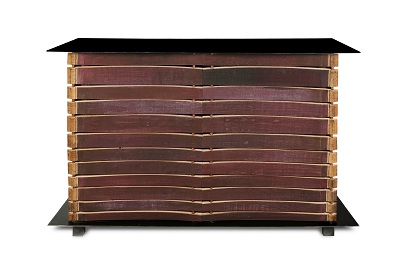 Sanpatrignano. Nella foto il mobile  2 Cabinet dal nome Adamo e Eva disegnato da Peter Marino.