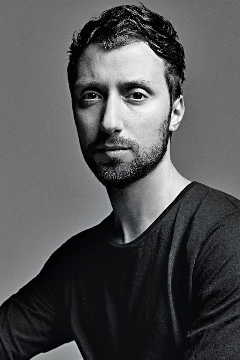 Anthony_VACCARELLO_Directeur_Artistique_Yves_Saint_Laurent_Slimane_5