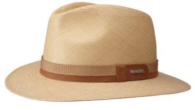 Un chapeau : Pour le coté Al Capone. Stetson, 199€