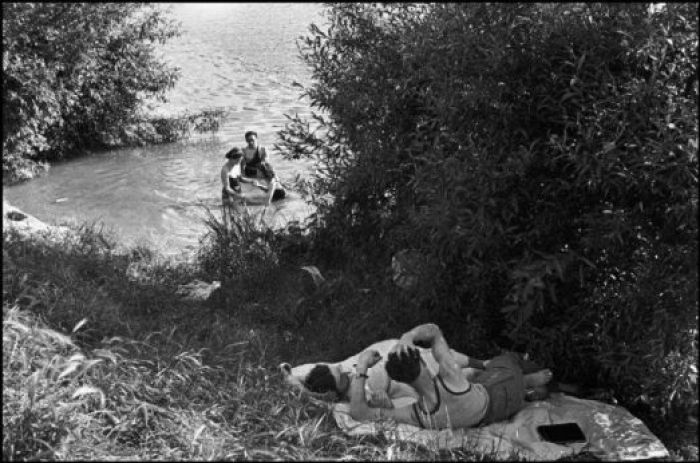 First paid holidays. Val-de-Marne, France, 1936 © Henri Cartier-Bresson : Magnum Photo
