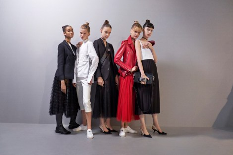 dior_rtw-ss2017_group-shot-janette-beckman-for-dior