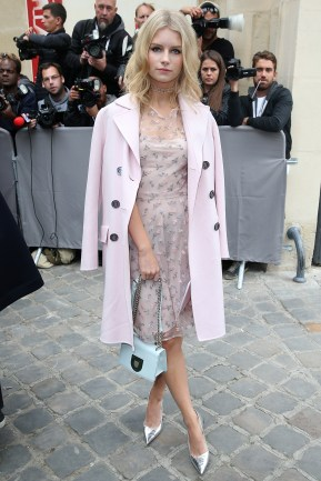 PARIS, FRANCE - SEPTEMBER 30: Lottie Moss arrives at the Christian Dior show as part of the Paris Fashion Week Womenswear Spring/Summer 2017 on September 30, 2016 in Paris, France. (Photo by Pierre Suu/Getty Images)