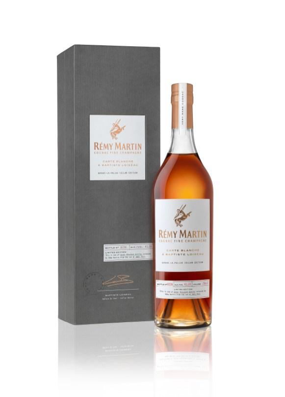 remy-martin-carte-blanche-bouteille-et-coffret