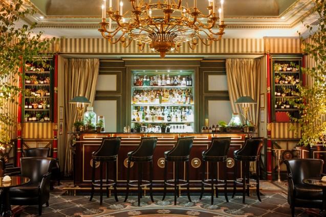 shangri-la-hotel-paris-bar-botaniste-skiss
