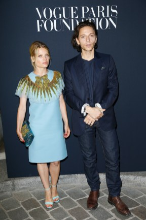 PARIS, FRANCE - JULY 04:(L-R) Melanie Thierry and Raphael attend the Vogue Foundation Dinner during Paris Fashion Week as part of Haute Couture Fall/Winter 2017-2018 at Musee Galliera on July 4, 2017 in Paris, France. (Photo by Julien Hekimian/Getty Images for Vogue) *** Local Caption *** Melanie Thierry;Raphael
