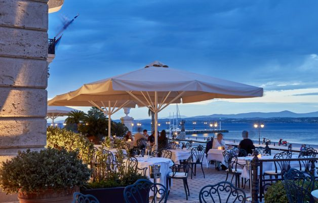 On the Verandah Restaurant_Exterior