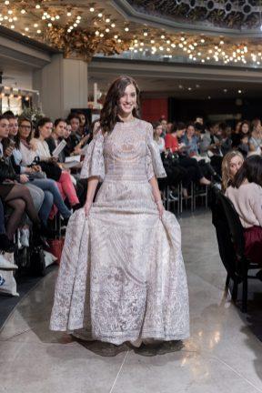 Look 41 - Robe Portugal, Naeem Khan 17780€ Chez Maria Luisa Mariage au Printemps