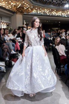 Look 42 - Robe Isabel Zapardiez 8235€ Chez Maria Luisa Mariage au Printemps