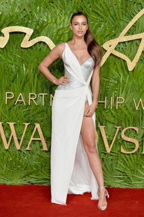 LONDON, ENGLAND - DECEMBER 04: Irina Shayk attends The Fashion Awards 2017 in partnership with Swarovski at Royal Albert Hall on December 4, 2017 in London, England. (Photo by Jeff Spicer/BFC/Getty Images)