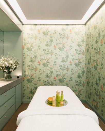 Le_Bristol_Paris-Tata_Harper_Spa_Room-2_1358