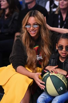 LOS ANGELES, CA - FEBRUARY 18: Beyonce attends the NBA All-Star Game as a part of 2018 NBA All-Star Weekend at STAPLES Center on February 18, 2018 in Los Angeles, California. NOTE TO USER: User expressly acknowledges and agrees that, by downloading and/or using this photograph, user is consenting to the terms and conditions of the Getty Images License Agreement. Mandatory Copyright Notice: Copyright 2018 NBAE (Photo by Juan Ocampo/NBAE via Getty Images)