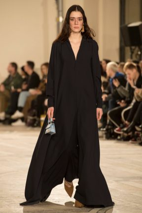 Look 25 JACQUEMUS FW18 A