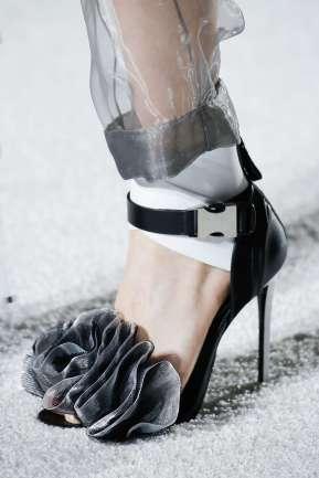 Balmain: Les escarpins fixés au pied