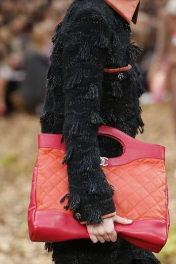 Le 31 : le nouveau sac Chanel plein de sous entendu...