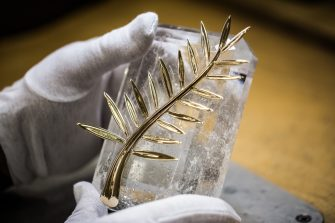 20. The Palme on its cristal base 1