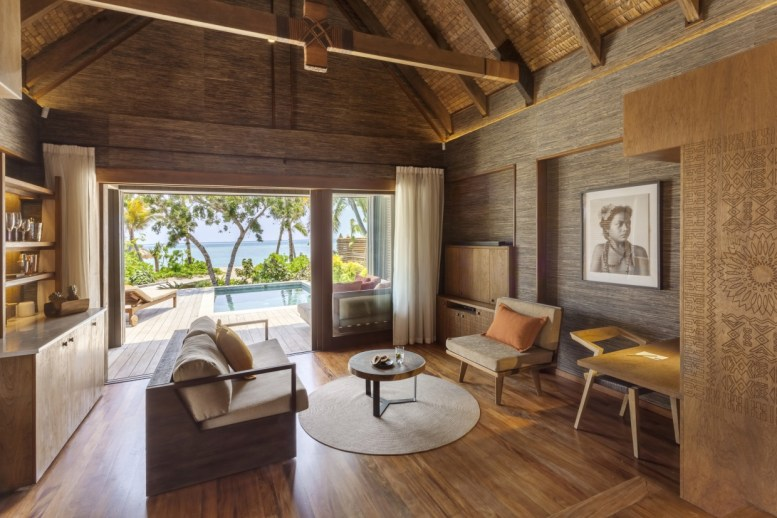 Living_Area_in_Beachfront_Pool_Villa_[7211-LARGE]
