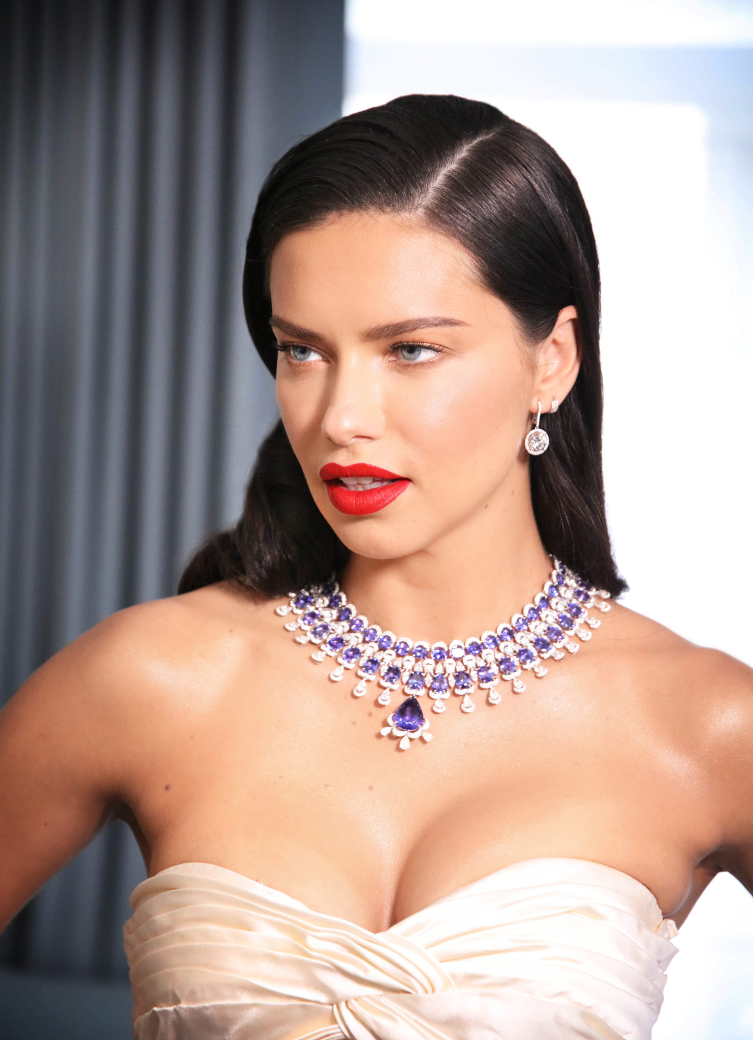 Adriana Lima featuring the Red Carpet Collection (3)